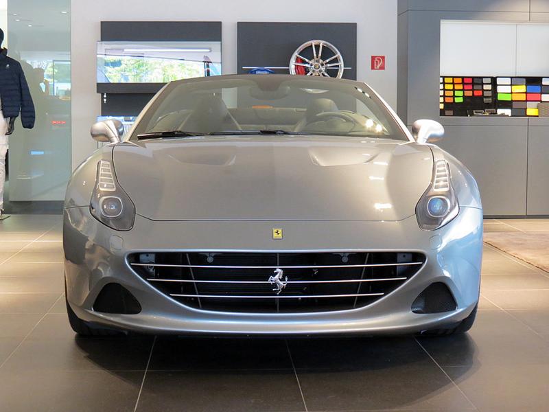http://www.sportwagen-versicherungen.de/wp-content/uploads/Ferrari_California_T_1.png