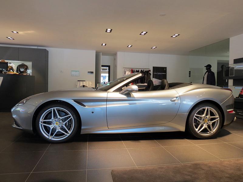 http://www.sportwagen-versicherungen.de/wp-content/uploads/Ferrari_California_T_2.png