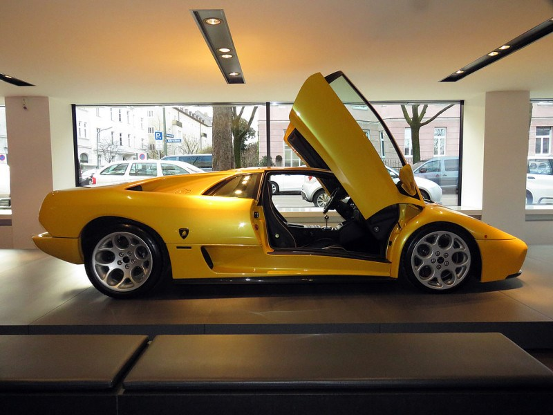 http://www.sportwagen-versicherungen.de/wp-content/uploads/Lamborghini_Diablo_VT_6.0_1.jpg